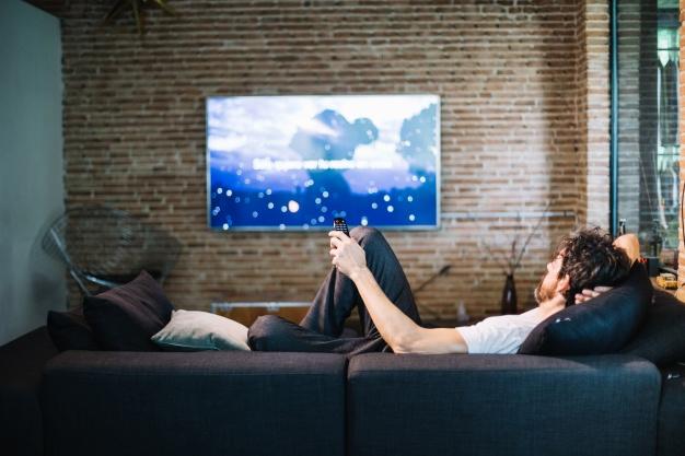 nove tehnologije, kot sta IPTV in mobilna televizija